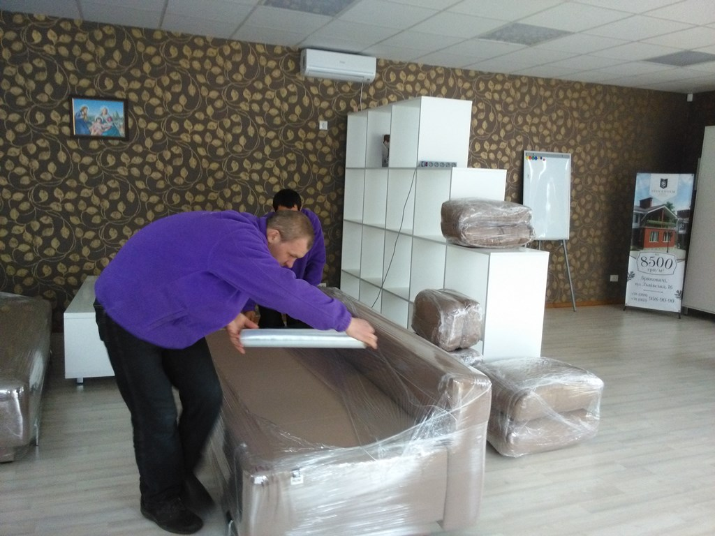 Packaging office furniture