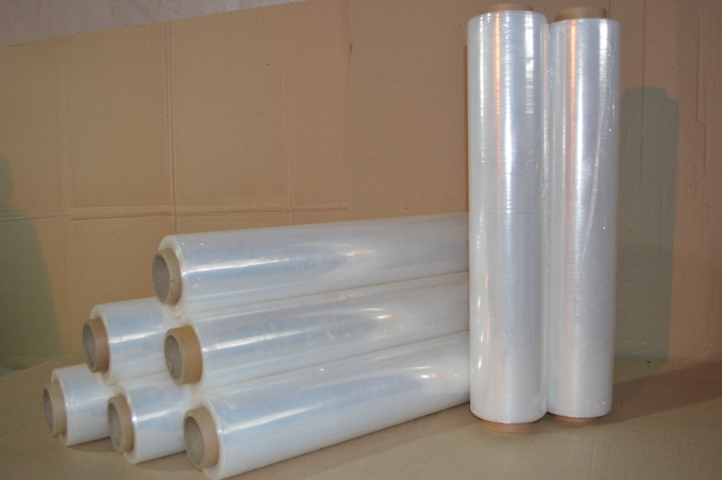 Stretch film for moving